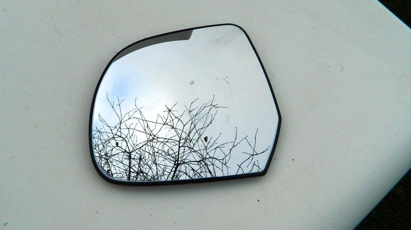 Geam oglinda stanga Nissa Micra model 2011