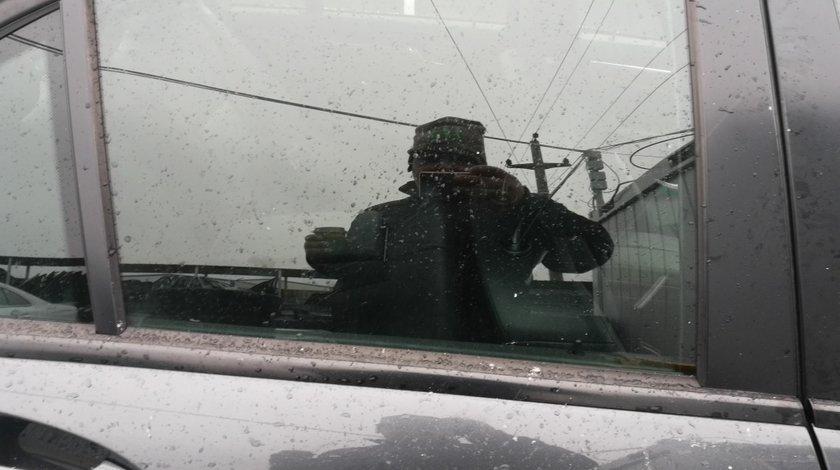 Geam usa dreapta spate Mercedes C class w204
