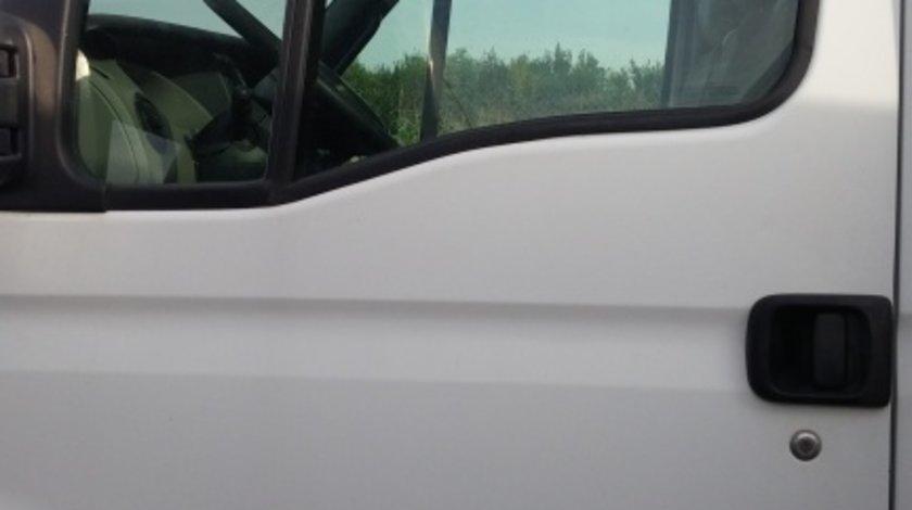 Geam usa fata Renault Mascott 2004