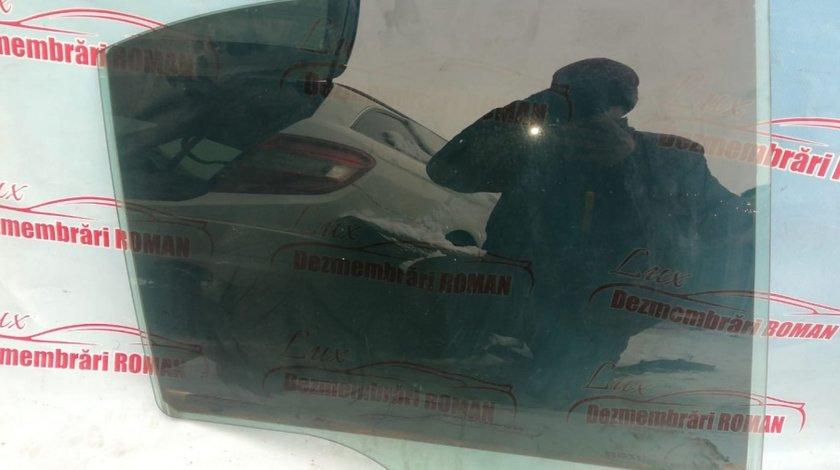 Geam usa portiera stanga spate Mercedes C Class W204 motor 2