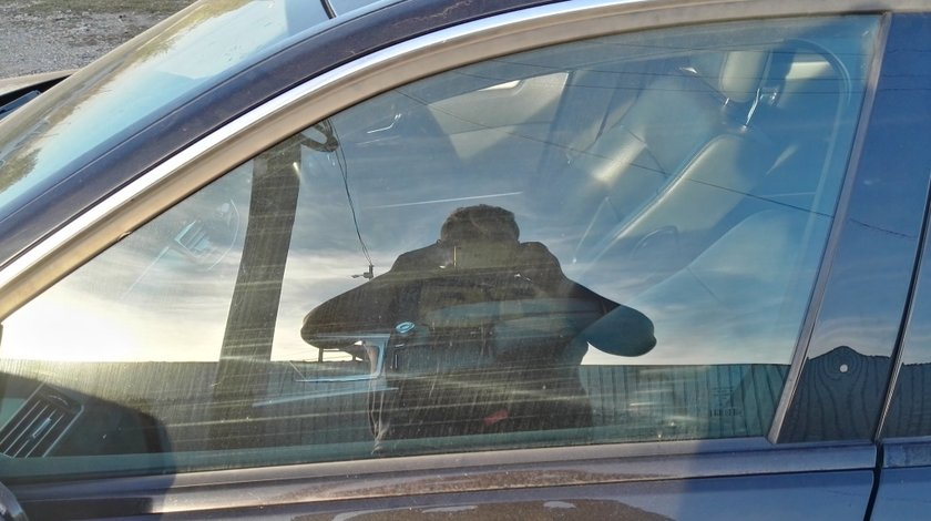 Geam usa stanga fata Mercedes E-class W212
