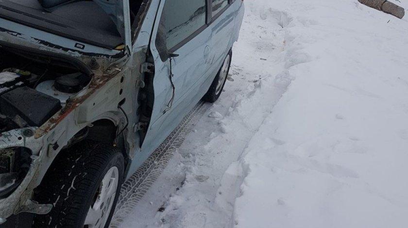Geam usa stanga fata peugeot 206 sw 206 hatchback 206 sedan