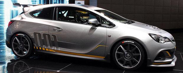 Geneva 2014: Opel dezlantuie noul Astra OPC Extreme!