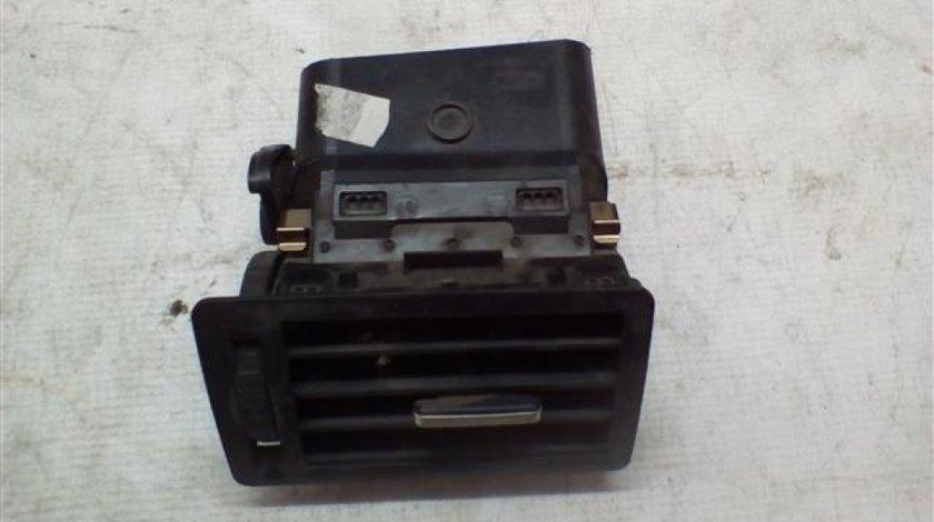 Grila aer bord stanga Ford C-Max An 2003-2007 cod 3M51-R018B09