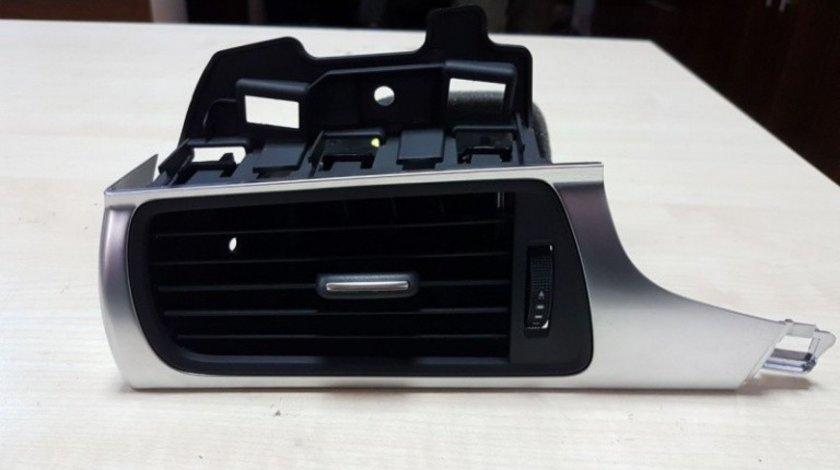 Grila aer  ventilatie bord stanga originala Audi A6 4G  A7 4G8 cod 4G1820901 2011-2018