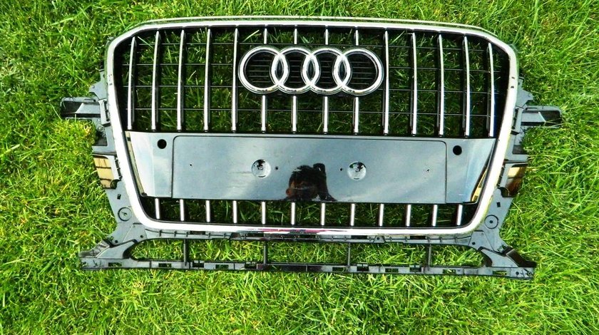 Grila Audi Q5 model 2013-2015 cod 8R0853651R
