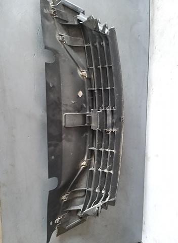 Grila bara fata centrala Renault Laguna II 8200012581