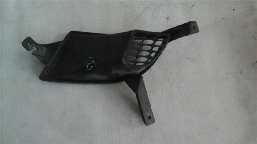 Grila bara fata dreapta Hyundai I30 An 2007-2012 cod 86564-2L000