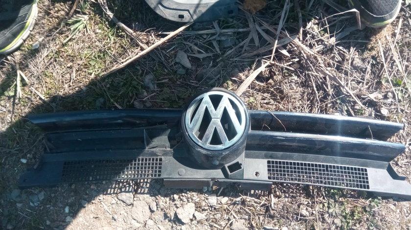 Grila bara fata masca radiator VW Golf 4