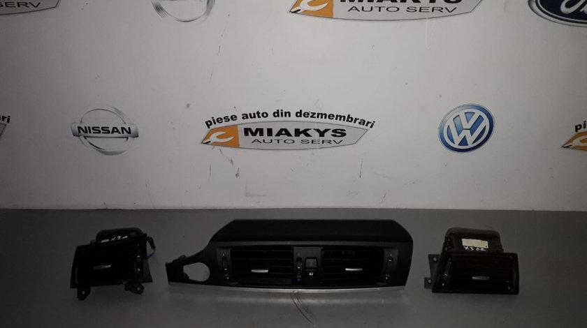 Grila bord BMW X3 F25