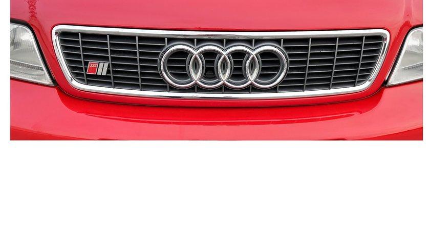 Grila capota originala Audi S4 A4 B5