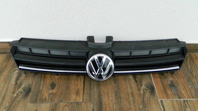 Grila capota VW Golf 7 cod 5G0853653E