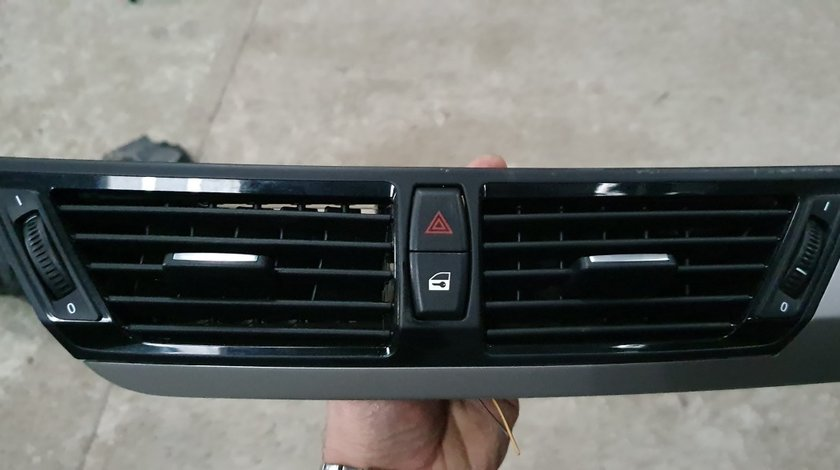 Grila centrala aer Bord BMW X1 E84 2010 2011 2012 2013 2014