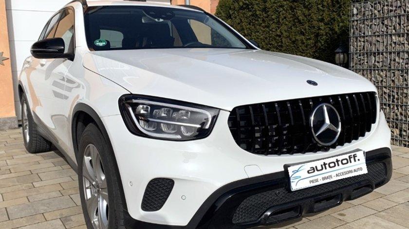 Grila centrala Mercedes GLC X253 C253 (2020+) AMG Black Design
