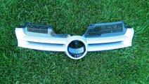 Grila centrala VW Golf 5 cod 1K0853655A