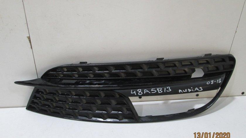 Grila dreapta bara fata Audi A3 8P an 2008-2012 cod 8P0807682H