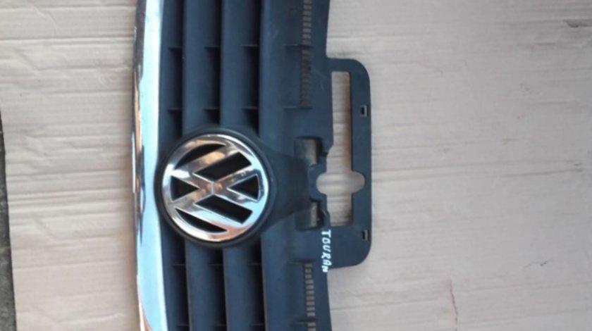 Grila fata cromata cu emblema VW Touran