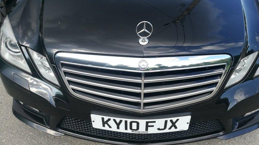 Grila fata Mercedes W212 amg