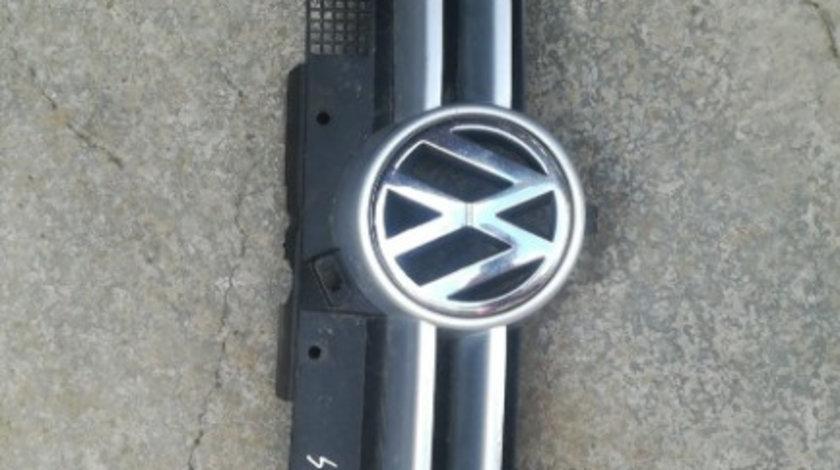 Grila fata VW Golf 4 - argintie