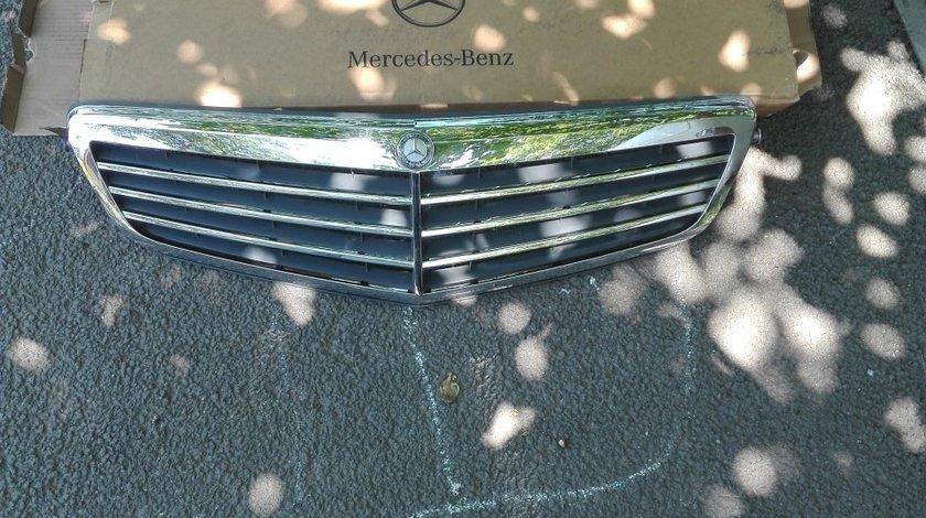 Grila Mercedes Benz clasa C, W204