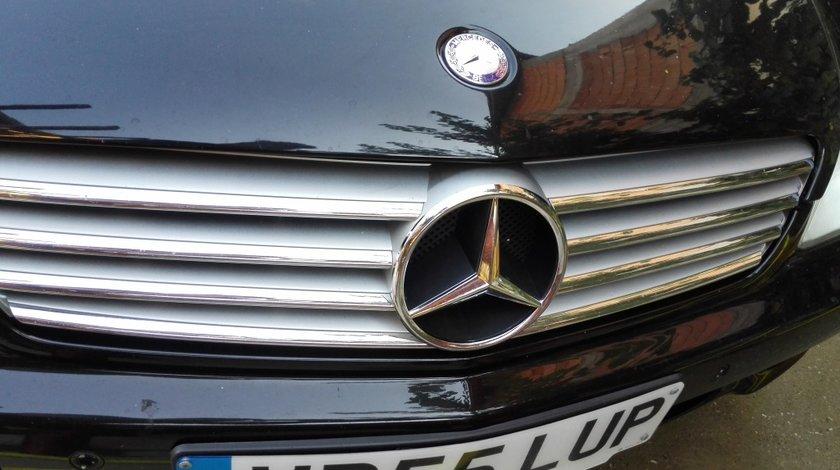 Grila Mercedes CLS W219