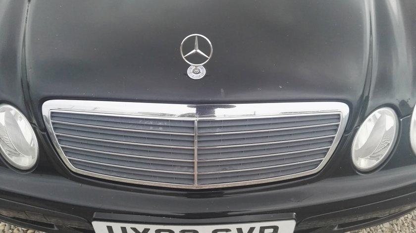 Grila Mercedes E220 CDI W211 CLASSIC