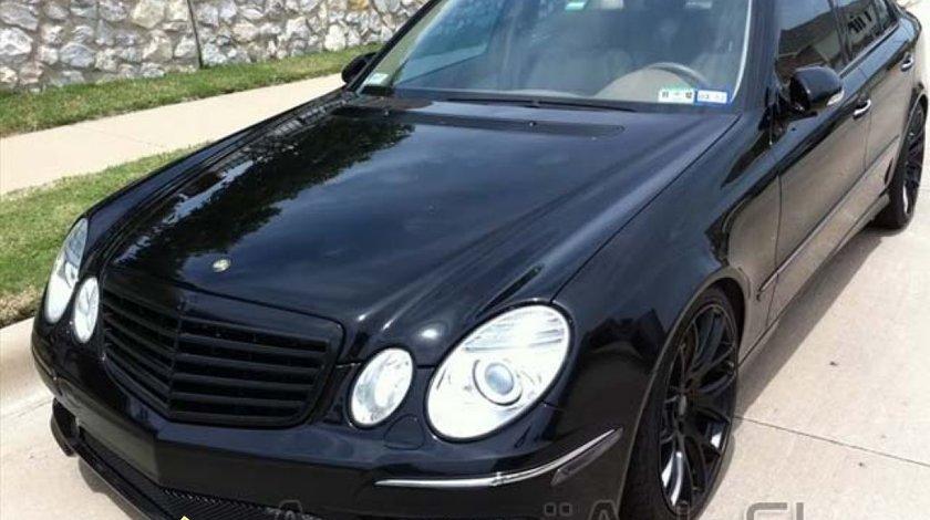 Grila Mercedes W211 E class Black Edition