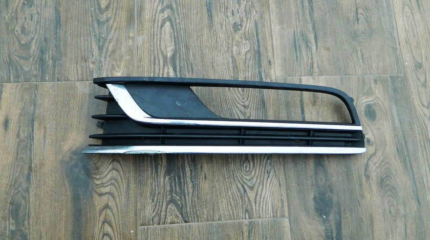 Grila proiector stanga VW Passat B7 model 2011-2014 cod 3AA853665