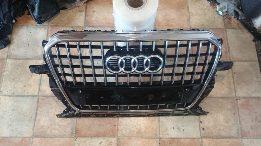 Grila radiator bara fata Audi Q5 (2012-2015) cod 8R0853651R