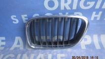 Grila radiator BMW E53 X5 ; 8247673 (urechi rupte)