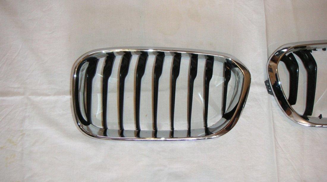 Grila radiator BMW seria 1, F20, F21 Facelift (2015-2018)