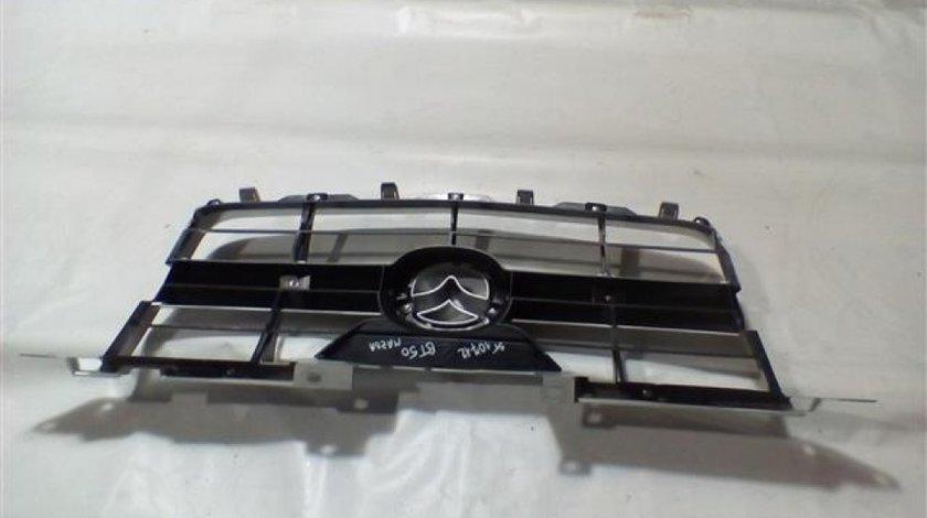 Grila radiator + emblema Mazda BT50 An 2007-2013 cod UR5650712