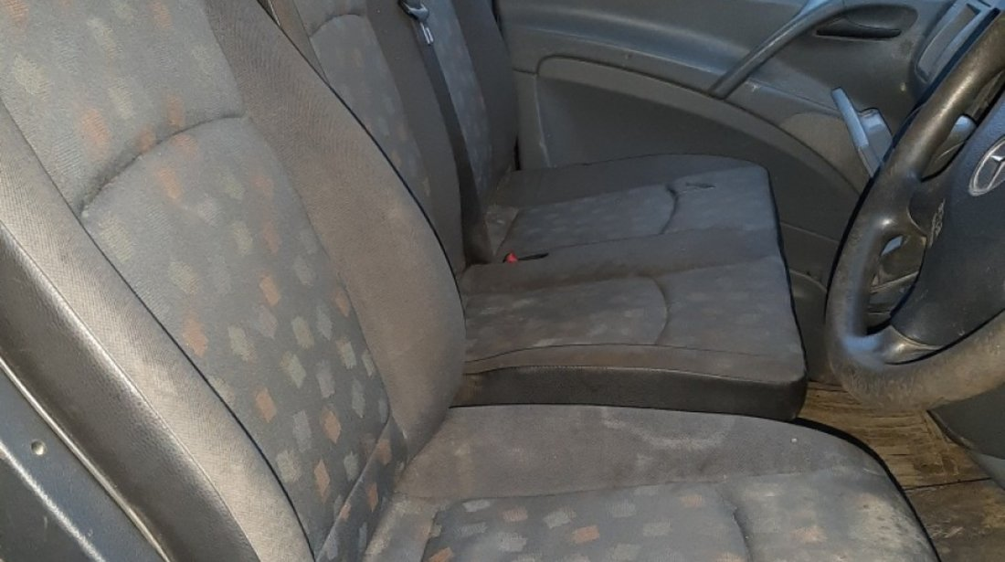 Grila radiator Mercedes VITO 2008 VAN 2987 CDI