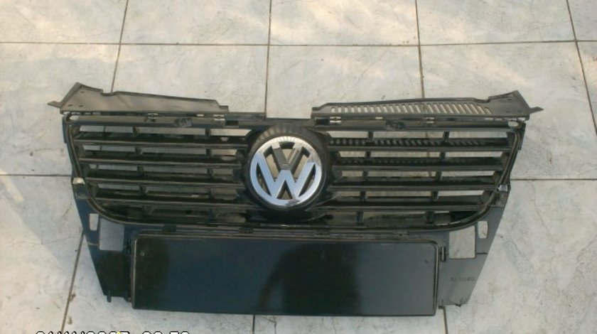 Grila radiator VW Passat B6