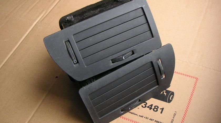 Grila ventilatie aer bord Opel Astra H (2004-2009) cod 24465728, 24465728, 330188061
