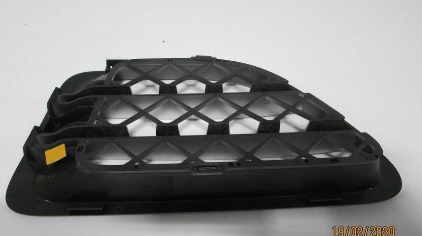 Grila ventilatie aripa dreapta fata Range Rover SPort an 2006-2009 cod 5H32-16A414-ABW