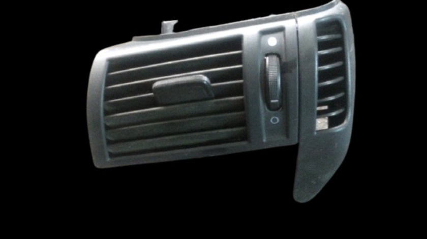 Grila ventilatie bord stanga Fiat Stilo prima generatie [2001 - 2010] Hatchback 5-usi 1.9 JTD MT (116 hp)