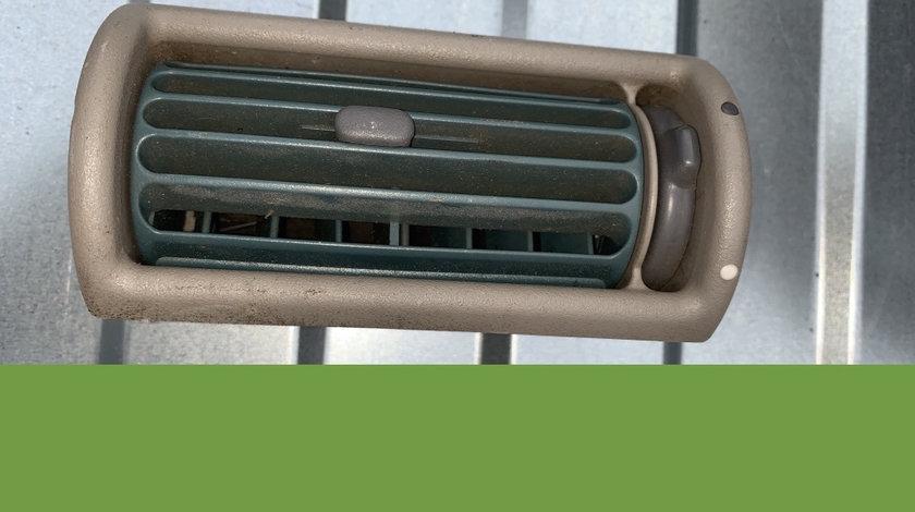 Grila ventilatie dreapta Land Rover Freelander prima generatie [1998 - 2006] Crossover 5-usi 2.0 TD MT (109 hp) (LN) TD 4 2.0 D - M47