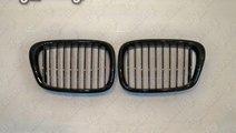 GRILE BMW E39 SERIA 5 97-04 NEGRU LUCIOS BE39G