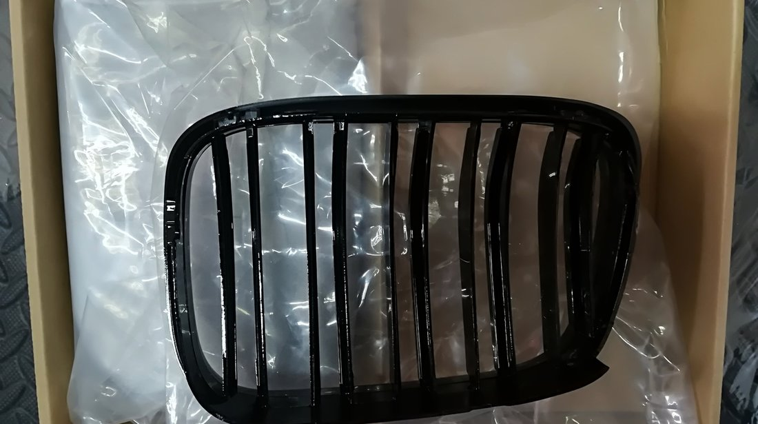 Grile duble BMW seria 5 E39 M5 look - Negru Lucios