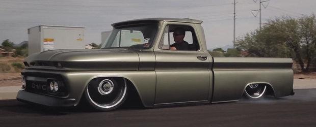 GrinderTV ne arata masinile care... rascheteaza asfaltul cu caroseria