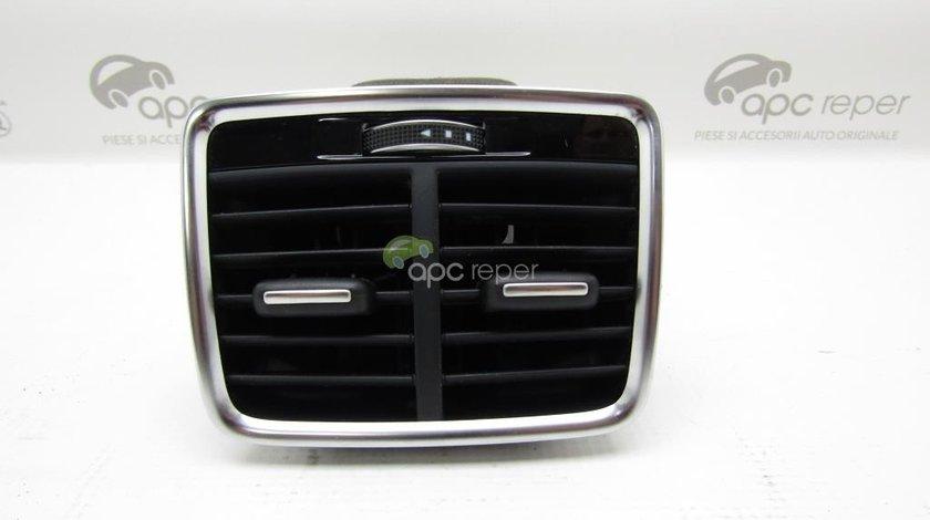 Gura ventilatie spate Audi Q3 8U - Cod: 8U0819203C