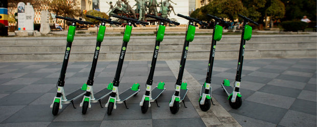 Guvernul interzice, in sfarsit, circulatia trotinetelor electrice pe trotuar
