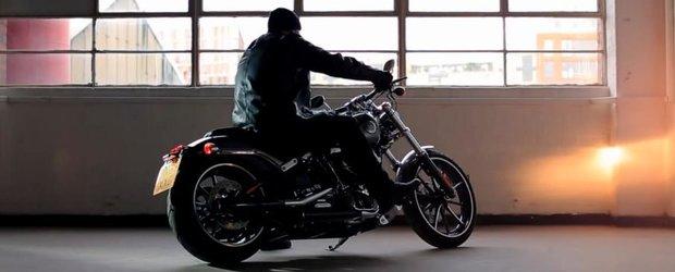 Harley Davidson ne canta Silent Night cu evacuarea