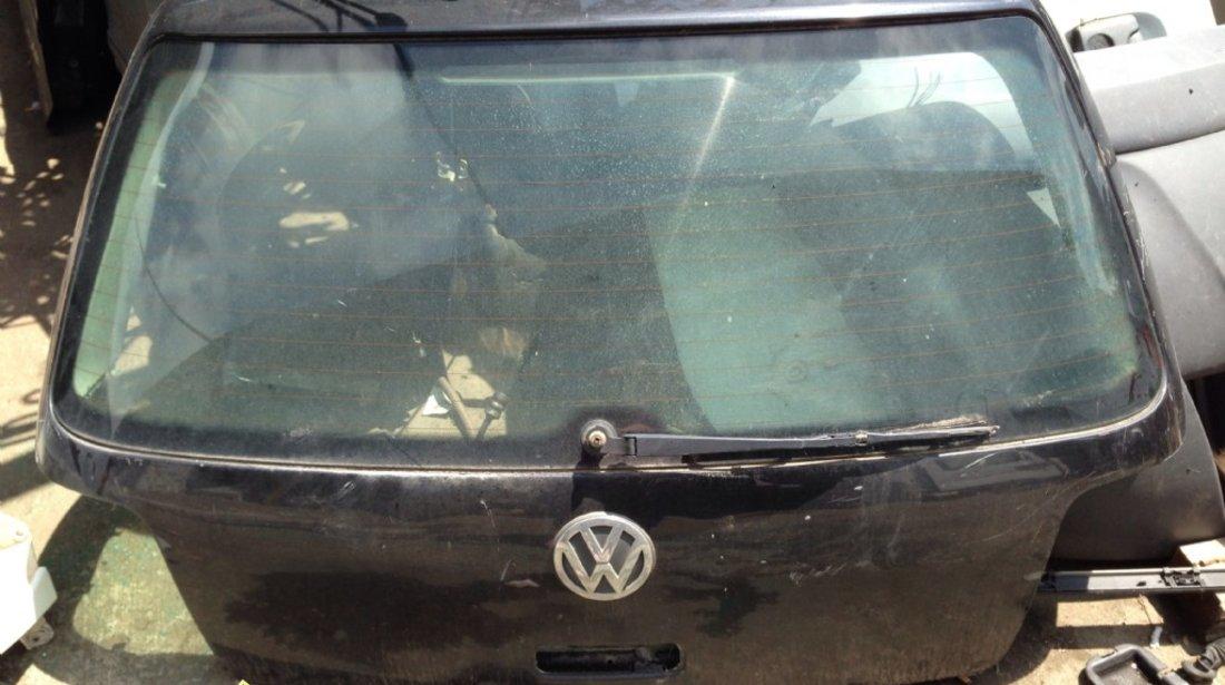 Hayon Volkswagen Golf 4 2002
