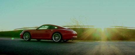 HOT: Noul Porsche 911 isi destainuie secretele intr-un video incitant