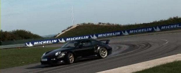 Hot Video: Drifturi cu noul Porsche 911 GT2 RS!