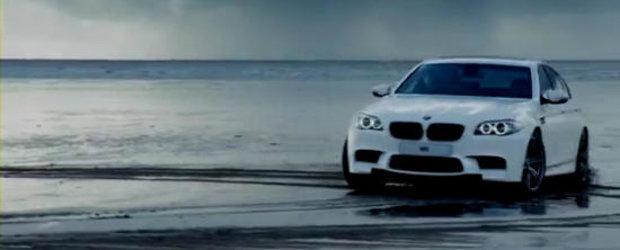 Hot Video: Drifturi pe plaja cu noul BMW M5!