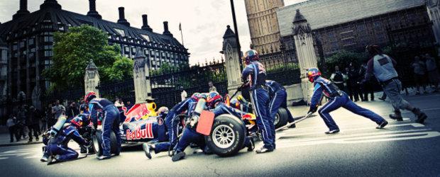 Hot Video: Mark Webber opreste la boxe in inima Londrei!