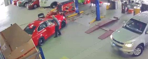 Hotii i-au furat autoturismul din service. Totul a fost surprins de camerele de supraveghere